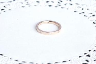 ピンクゴールドのダイヤが8個入った結婚指輪♪