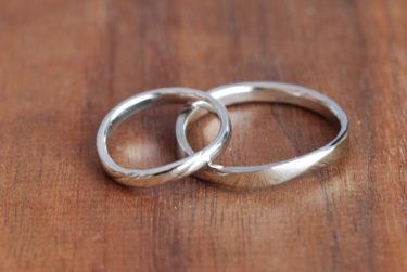 オーダーの少しだけデザインが違う結婚指輪♪